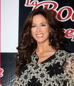 """Jacqueline Bracamontes en """"Cuna de Lobos"""""""