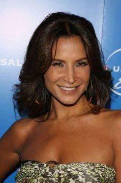 Lorena Rojas regresa a la TV en su tierra