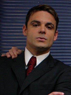 """Uberto Bondoni en """"Dueña de tu amor"""""""