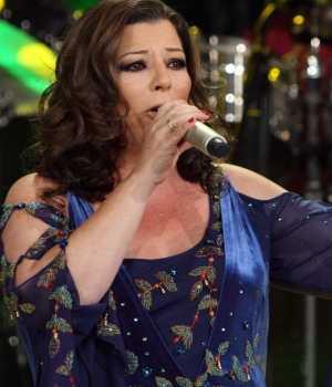 """La Diosa de la Cumbia canta """"Niña de mi corazón"""""""