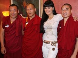 Niña de mi corazón - bendicen monjes