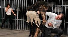 """Ana y la bestia son atacados en """"Lobo"""""""