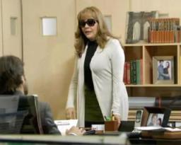 """Beatriz llega a la oficina en """"La traicionera  """""""