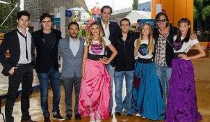 """Los protagonistas de """"MissXV"""" inauguran Verano Nick 2012"""