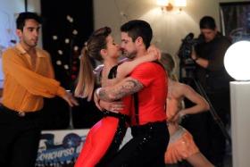 Ringo y Camila deciden participar de un concurso de baile